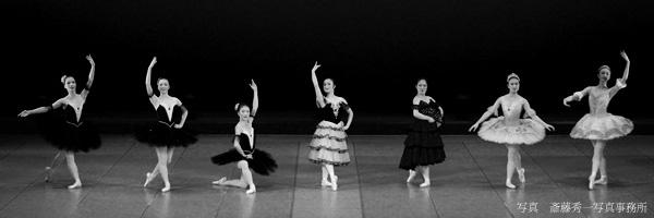 バレエ&ダンススタジオPasso(パッソ)のシニアクラスのご案内です。